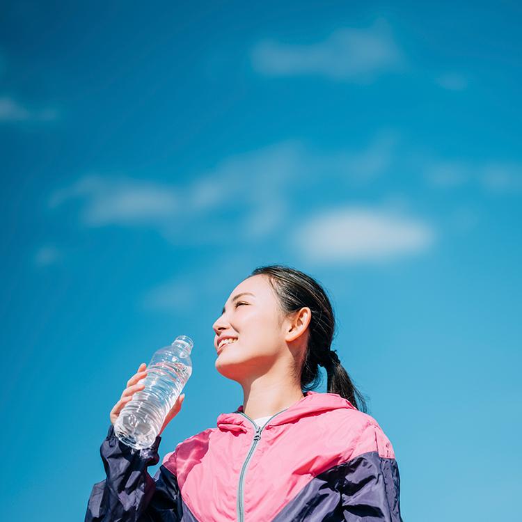 夏のトレーニングに役立つ水分補給&下半身強化メソッド